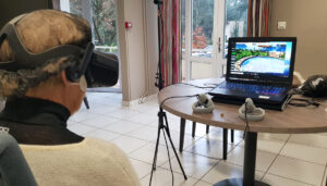 Utiliser la réalité virtuelle en maison de retraite.